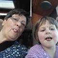 Oma und Melina Zunge
