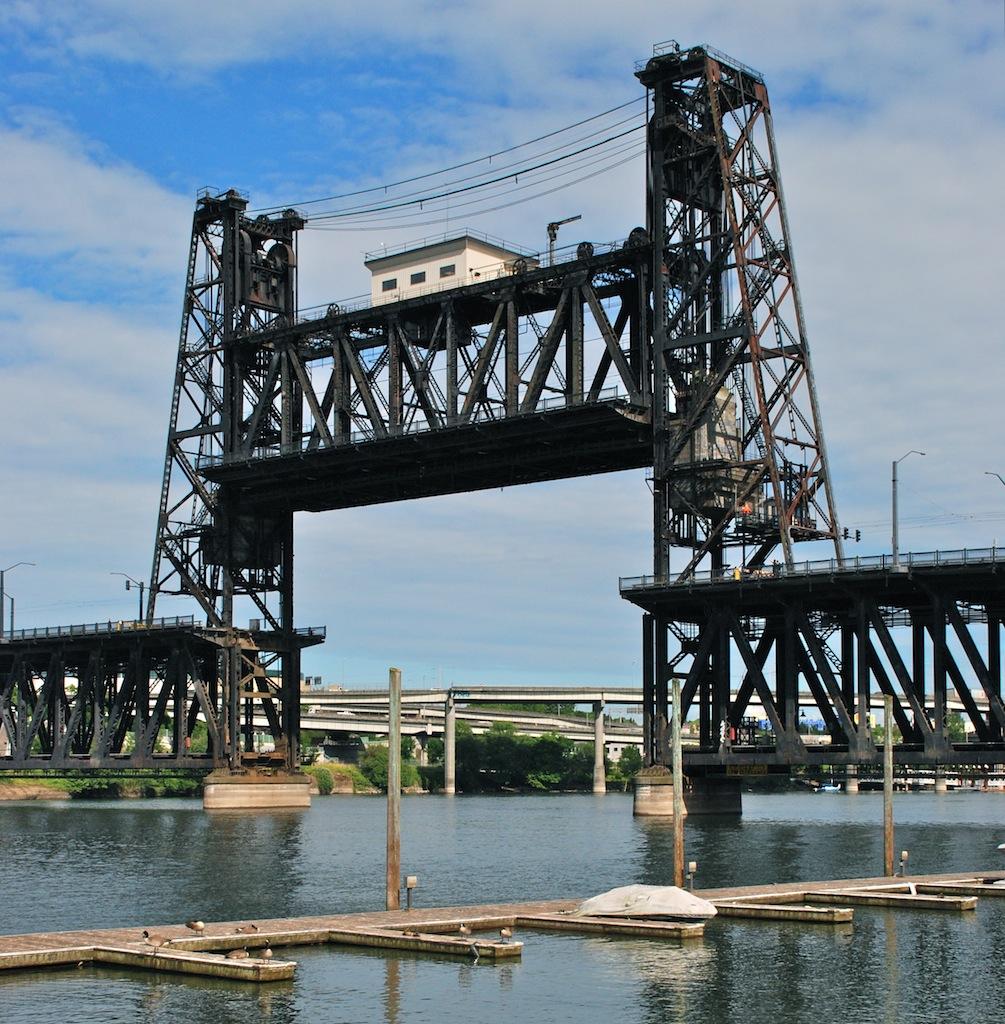 Portland Steel Bridge - lift span raised