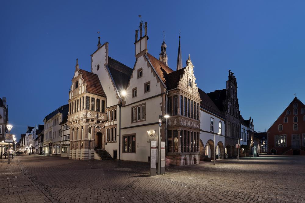 Rathaus und Marktplatz, Foto von Falk Sieker