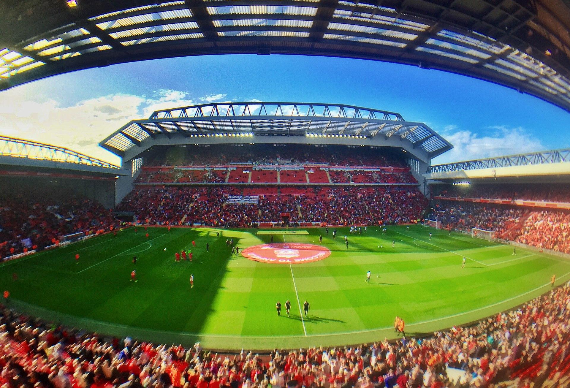 Foto von: Ruaraidh Gillies - The revamped Main Stand Anfield