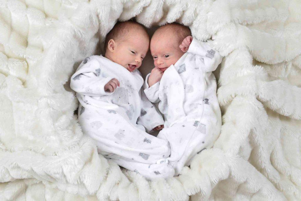 Feena und Florin, Zwillinge, 1 Jahr